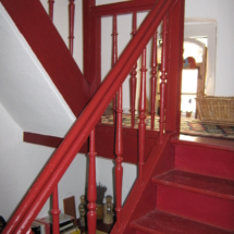 Holztreppe im Schlenkerle